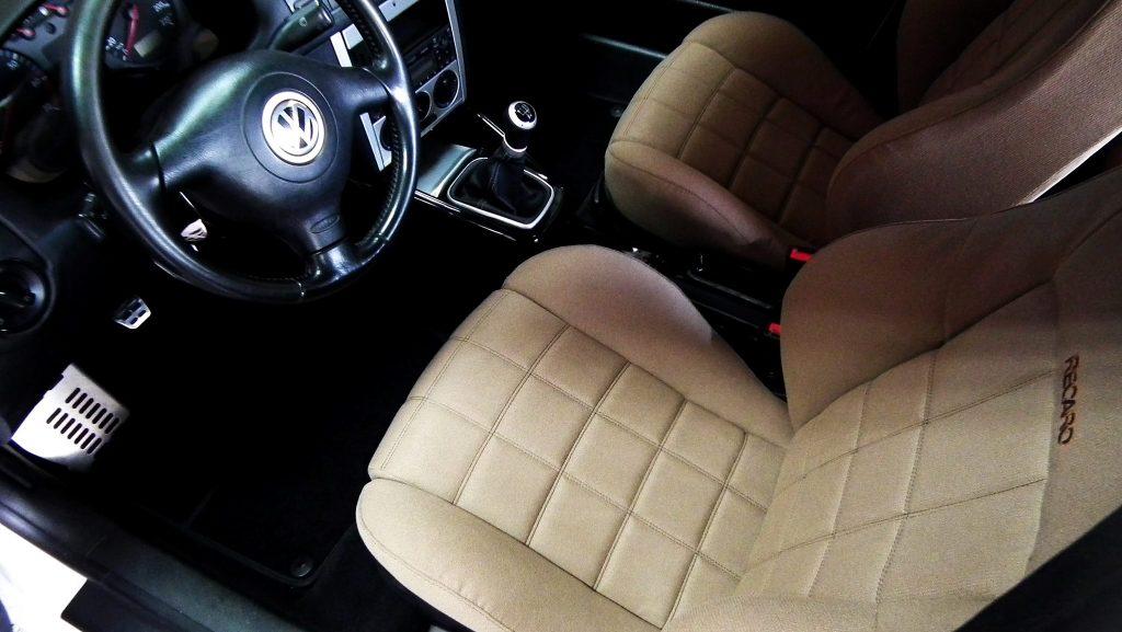Luka's Golf MK4 interior