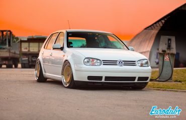 VW Golf MK4 on Schmidt