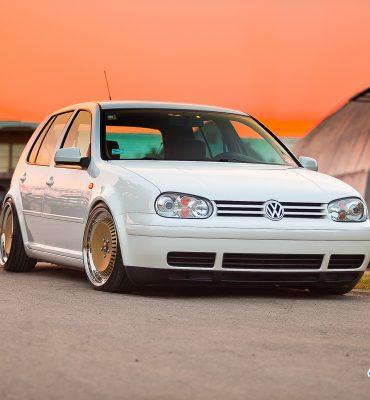 VW Golf MK4 on Schmidt