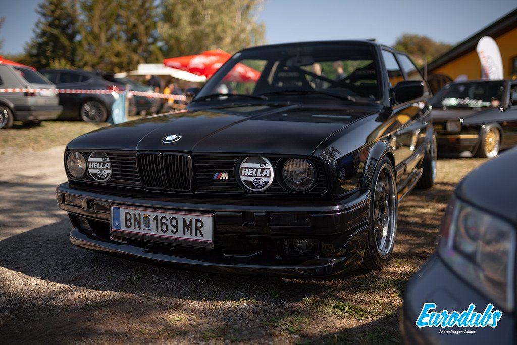 Race BMW E30 M with HELLA headlights